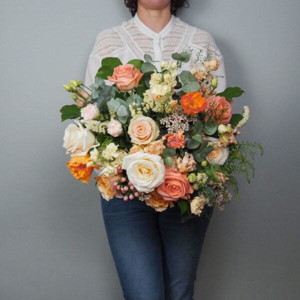 bouquet-pecher-mignon-atelier-lavarenne-fleuriste-lyon-livraison-fleurs