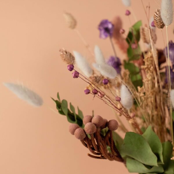 bouquet-fleurs-sechees-violet-atelier-lavarenne-fleuriste-lyon-2