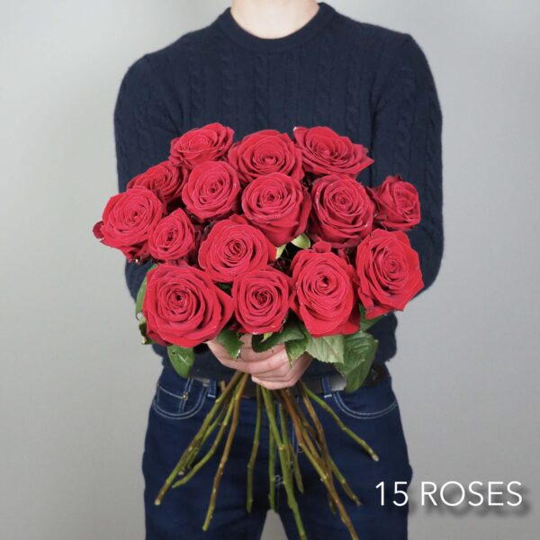 bouquet-fleurs-15-roses-rouges