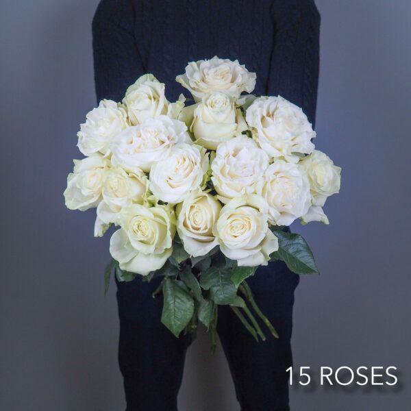bouquet-fleurs-15-roses-blanches-atelier-lavarenne-livraison-fleurs-lyon