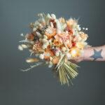 3_bouquet-fleurs-sechees-orange-marmelade-atelier-lavarenne-fleuriste