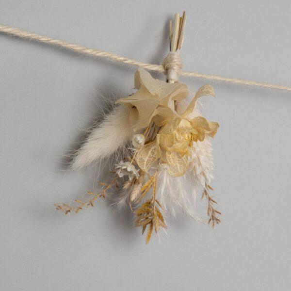 Guirlande de fleurs jaune paille-2